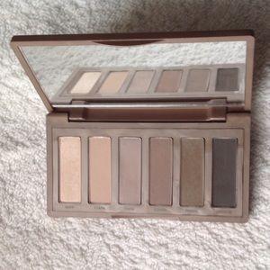 UD Naked2 Basics eyeshadow palette
